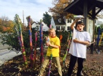 Glencarlyn kids create Banana Stalk Art Pieces.  Photo by Dina Kim