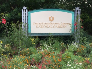Sign at the entrance to the National Garden