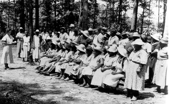 WPA workers in the original Azalea Garden. Norfolk Public Library.